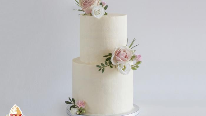 Moderne Elegante Hochzeitstorte Mit Frischen Blumen Anleitung